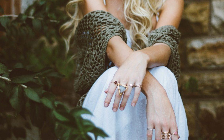 La joya perfecta es la que habla por ti cuando la llevas puesta. Descubre cómo elegirla tanto si es para ti como si vas a regalársela a alguien especial.