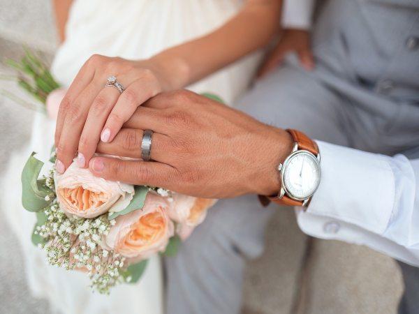 Errores a evitar al comprar tu alianza de boda